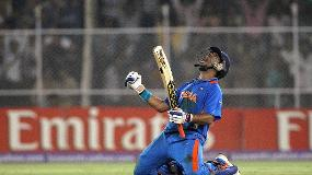 CWC Greatest Moments - Yuvraj ends Australia's reign in 2011