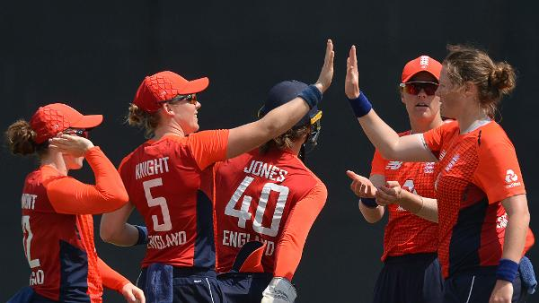 England make it nine wins in a row to seal series v Sri Lanka